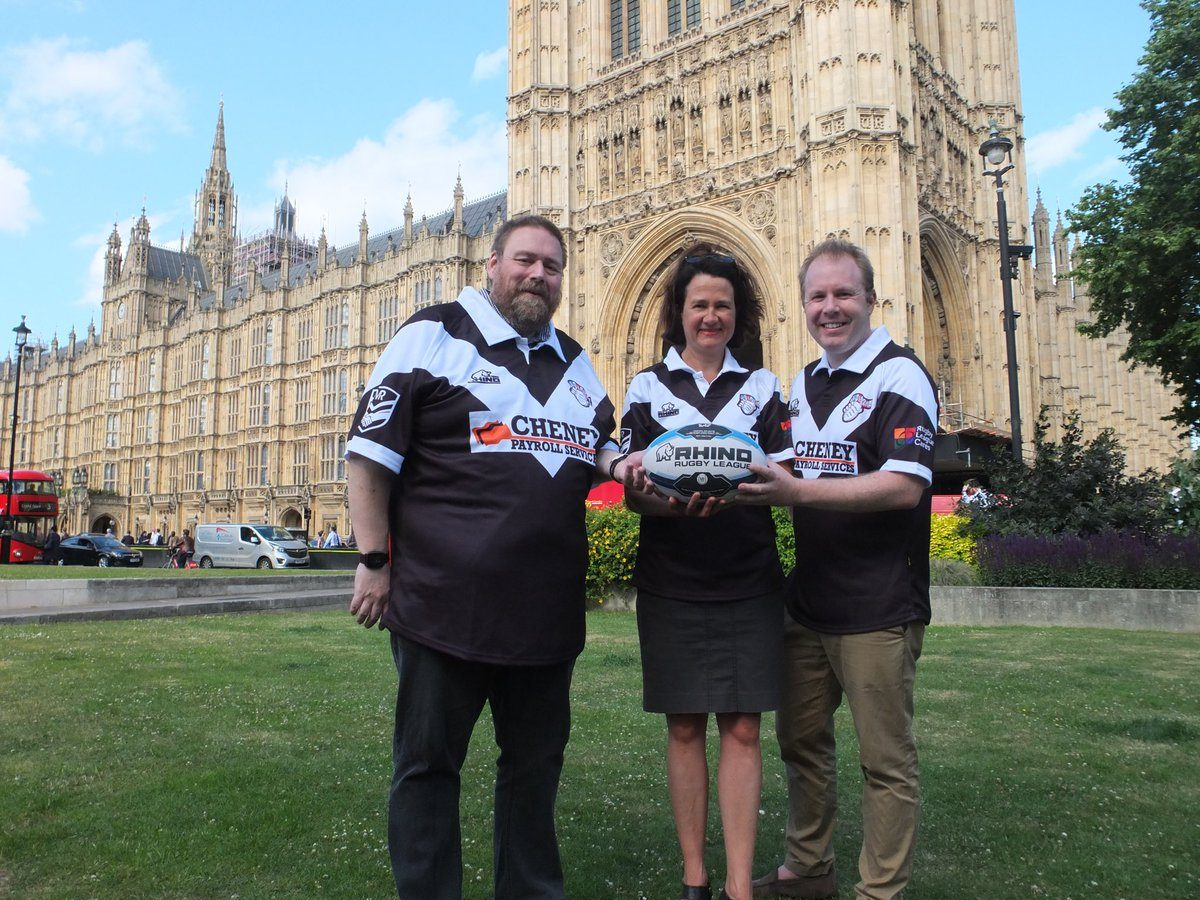 Political Animals to take on Team Colostomy UK